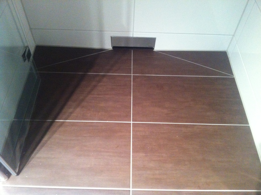 dusche ebenerdig ebenerdige dusche in attraktiven. Black Bedroom Furniture Sets. Home Design Ideas